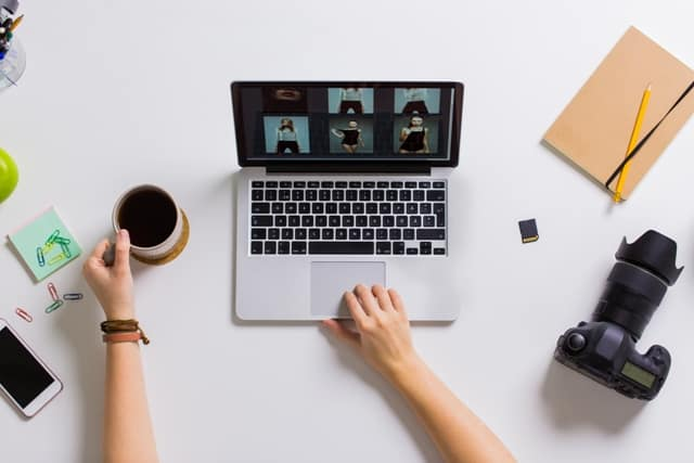 By Creating a Virtual Portfolio for Your Business